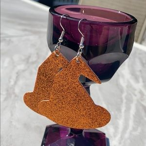 ✨ NWT! ✨ orange witch hat faux leather earrings